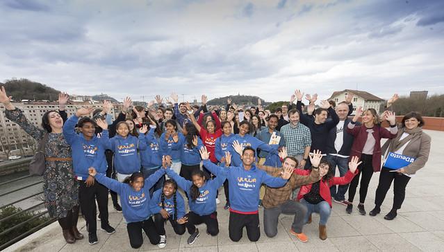 06/03/2019 - Las jóvenes indias de la escuela Yuwa hablan de esperanza y futuro en Deusto Donostia