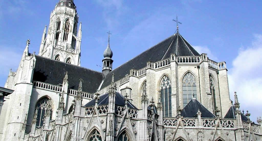 Bezienswaardigheden Breda: Grote Kerk, Markt Breda | Mooistestedentrips.nl