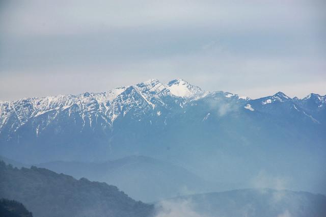 加里山山頂展望--雪山、北稜角