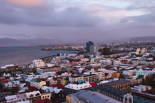 city citysccape reykjavik iceland hilgrimskirkja street photography travel sunset sunrise sky colourful houses purple lilac clouds magic magical meer