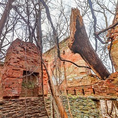 Ruins of a lockhouse (4)