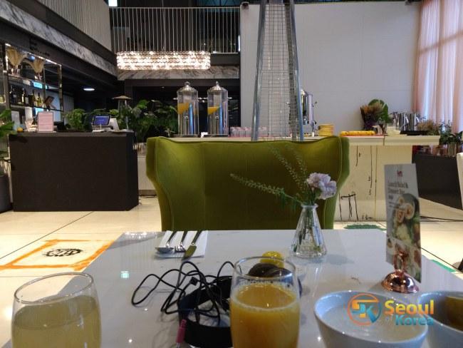 글래드 라이브 서울 강남 호텔에서의 조식