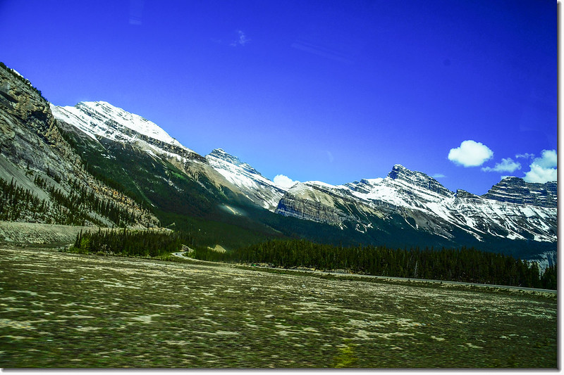 The scenery along  AB-93 N(Icefields Parkway) (11)