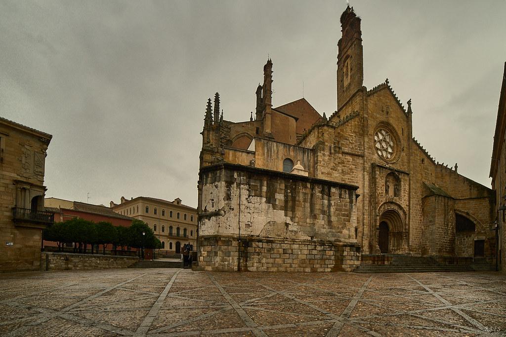 Paseando por la ciudad, Santa María, Plaza de la Catedral,   32364995187_2af77f65f3_b