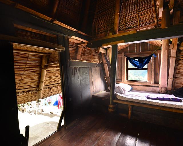 Interior del ifugao donde dormimos en Batad