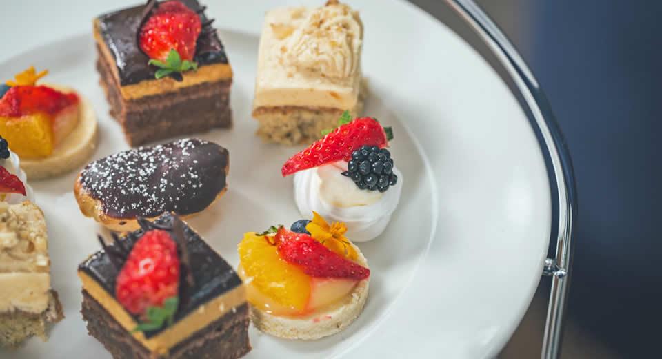 Afternoon tea bij Titanic Hotel Belfast | Mooistestedentrips.nl