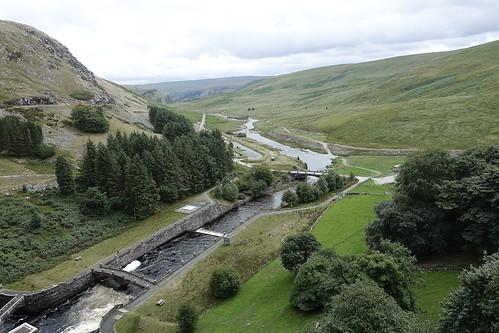 elanvalley landscape water wasser cymru wales midwales sony sonyrx100iii sonyrx100m3 hill valley river afonclaerwen riverclaerwen compactcamera