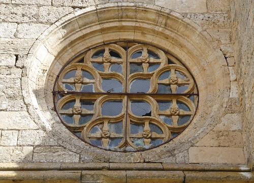 Los Balbases (Burgos-España). Iglesia de San Millán. Rosetón en muro hastial