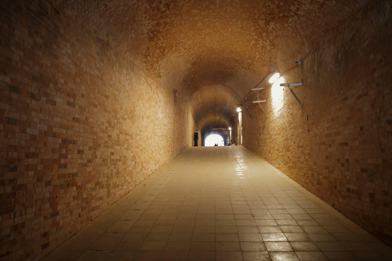 猿島・トンネル