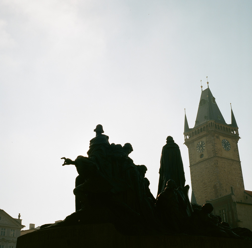 15---Shadows-of-a-monument-in-Prague