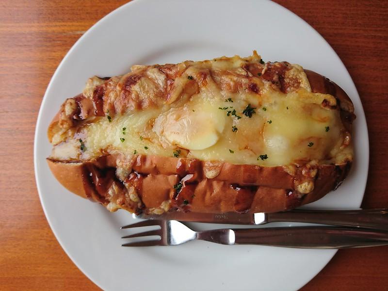 ポテサラコッペぬか玉付お好み焼きチーズ(mountkitahama)