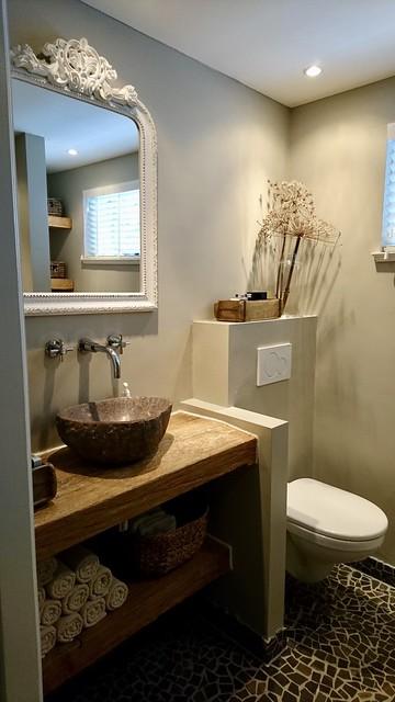 Kuifspiegel waskom badkamer landelijk