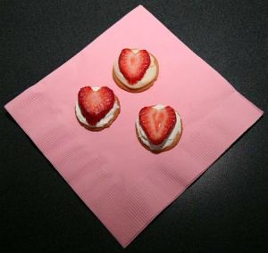 stawberry-heart-cookies-sized