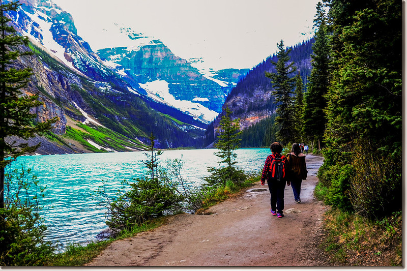Lake Louise Shoreline Trail
