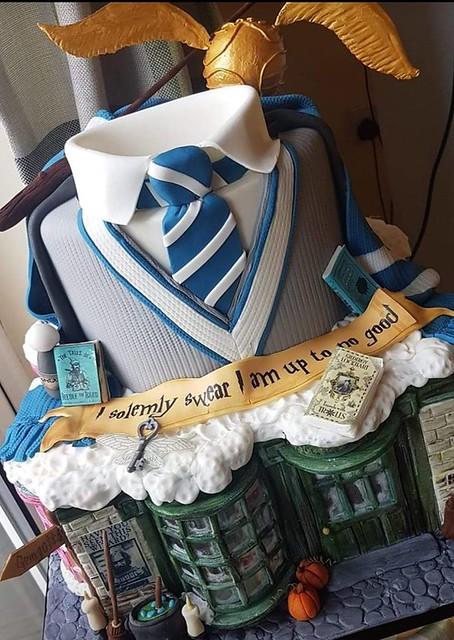 Cake by Sally Tompkins of Sally Ann's Custom Cakes
