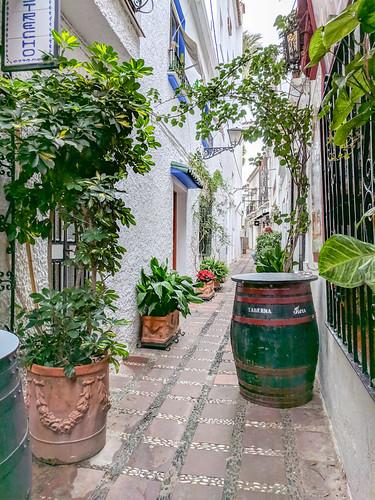 El Estrecho street