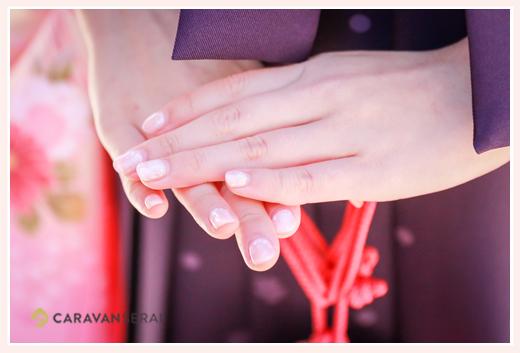 着物・袴を着た時のネイル 指先のアップ写真