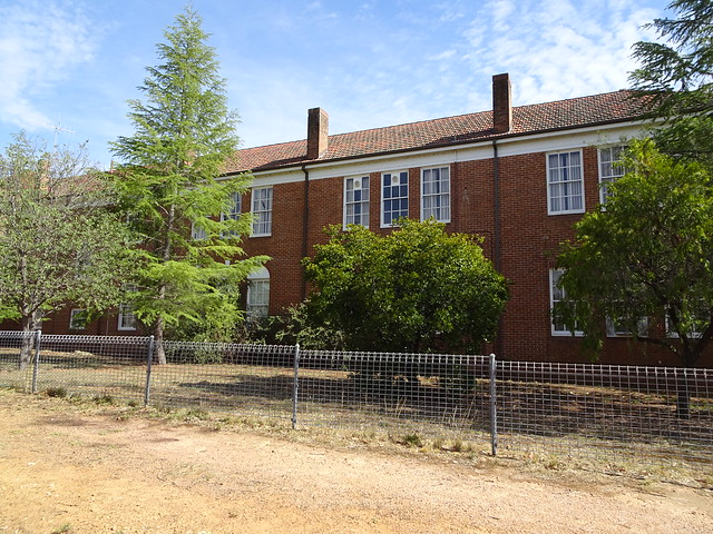 Photo:Grenfell. The old state primary school built around 1920. It became the Henry Lawson High School and then a TAFE college campus. By denisbin