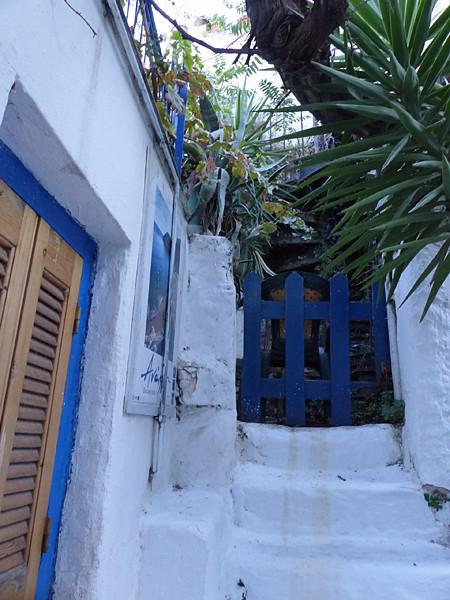 escalier blanc à anafiotika