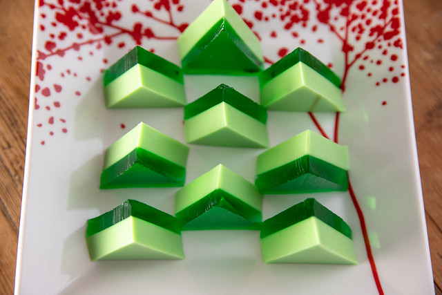 012-2018_12_Jello-Christmas-Trees