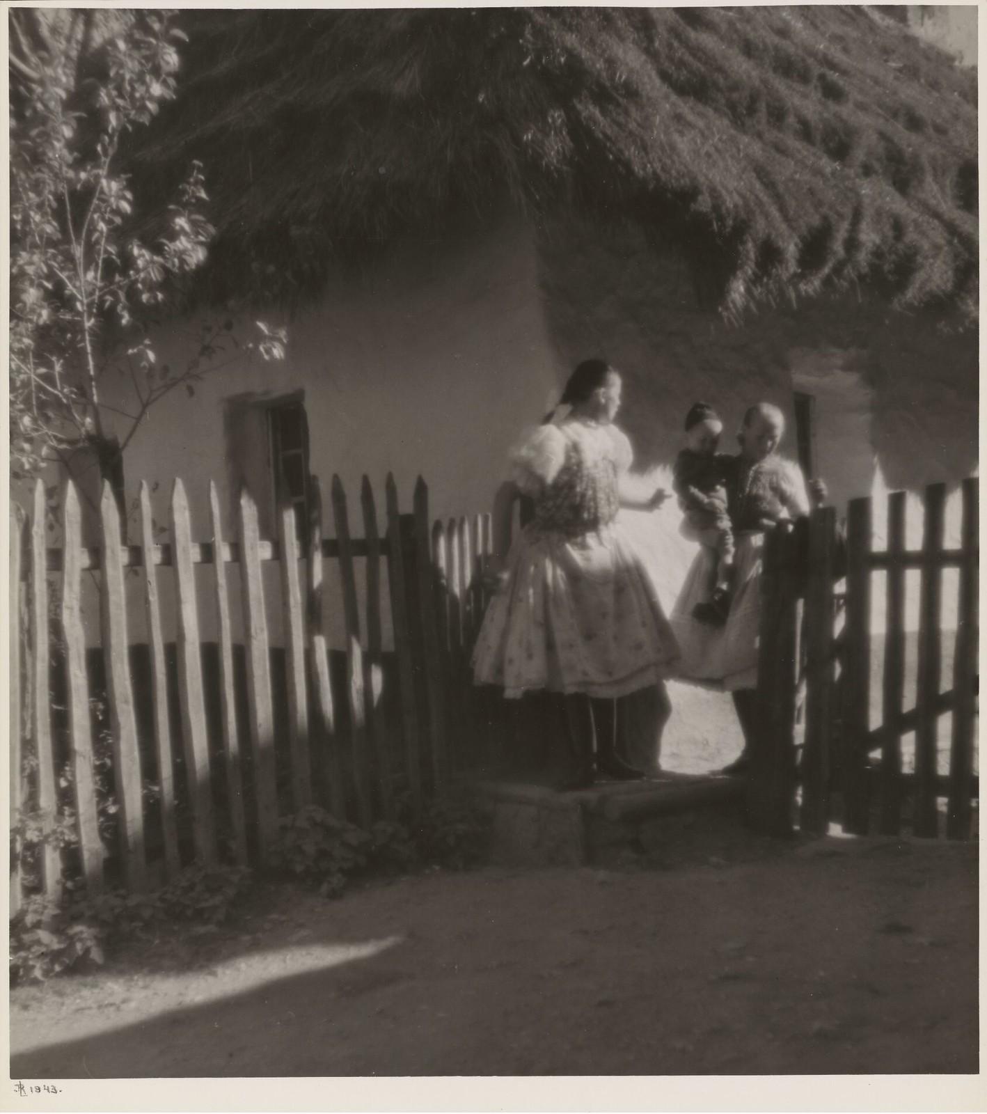 1943. Крое