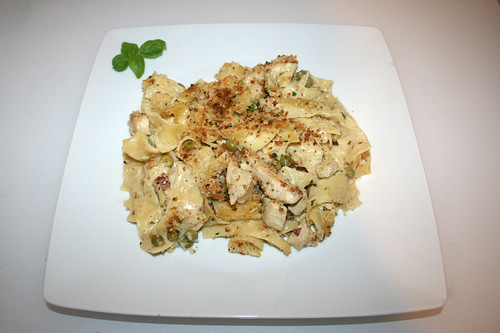54 - Chicken Bacon Ranch Pasta Bake - Served / Serviert