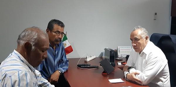 Con Fortino Pérez Tannis y Carlos Antonio García Comisariado de Bienes Comunales y agente municipal de Santa Cruz Mitlatongo, Magdalena Jaltepec trabaja nuestro coordinador Heliodoro_hcde para establecer acciones que lleve