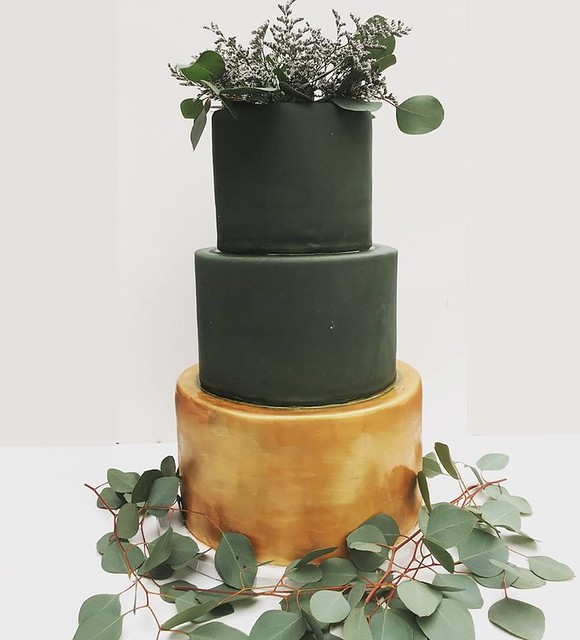 Cake by Honeydoll Bakehouse