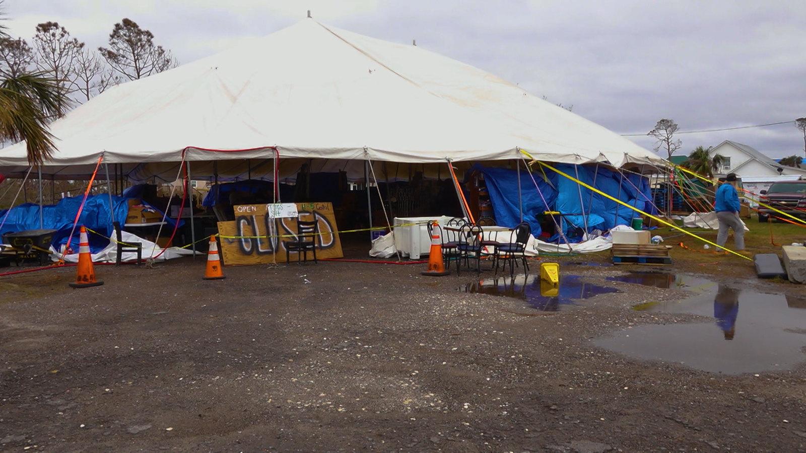 white tent pic