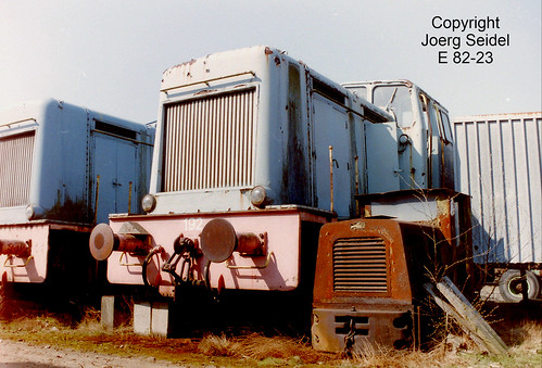 BE-3630 Maasmechelen Armand Lowie Werkspoor DSM Lokomotiven und Schöma Feldbahnlok  im März  1991