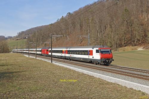 Re 460 014-4 Train IR 2327 Basel SBB-Ertsfeld à Tecknau