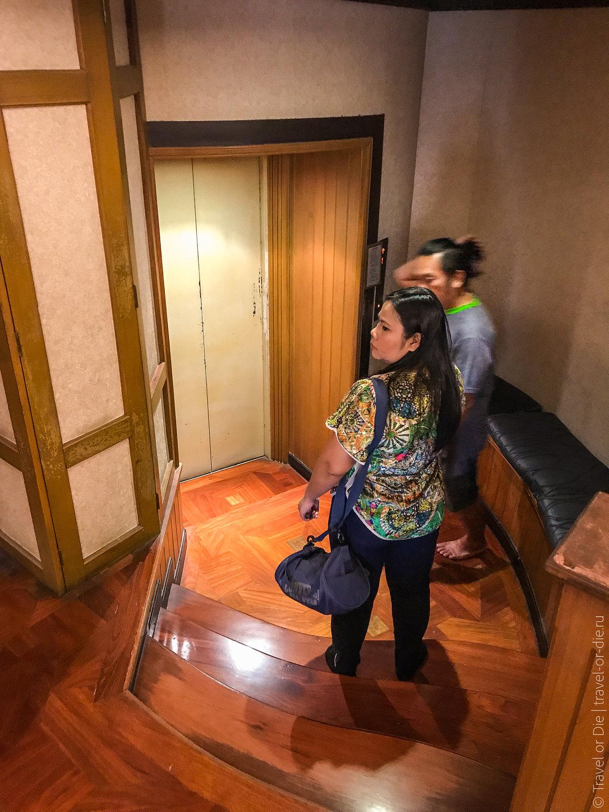 Erawan-Museum-Bangkok-iphone-9670