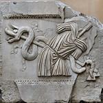 Rilievo con trofeo d'armi dal Tempio di Adriano MC764 - https://www.flickr.com/people/82911286@N03/