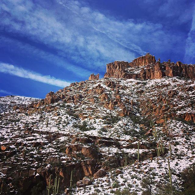 Photo:Above the snowline! (3/x) #latergram . . . . . #arizona #AZ #superstitionmountains #superstitions #goldcanyon #snow #mountain #pinnacles #hike #peraltatrail #cactus #saguaro #cloud #ignimbrite #getoutside #lifeofadventure By kara brugman