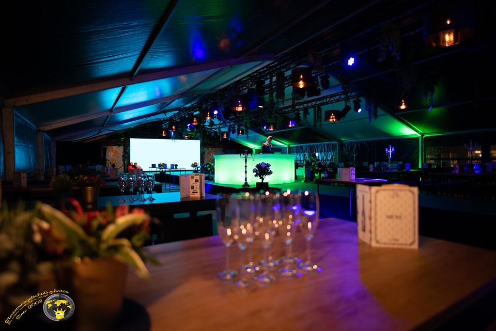 Genkshowt cosmopolitan party ' dance acts & random