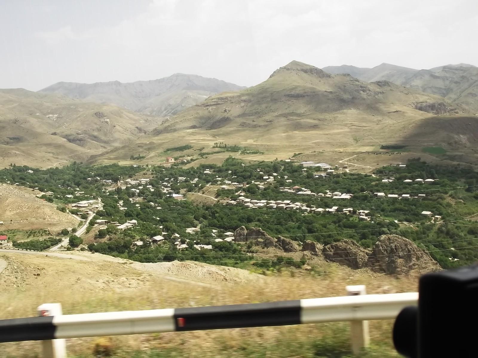 iran 1090