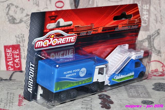 N°......... - Man TGS contenaire (299F) et Volkswagen Crafter Nacette aéroport (203H) - Série Aiport 39955140193_7266567ca9_z