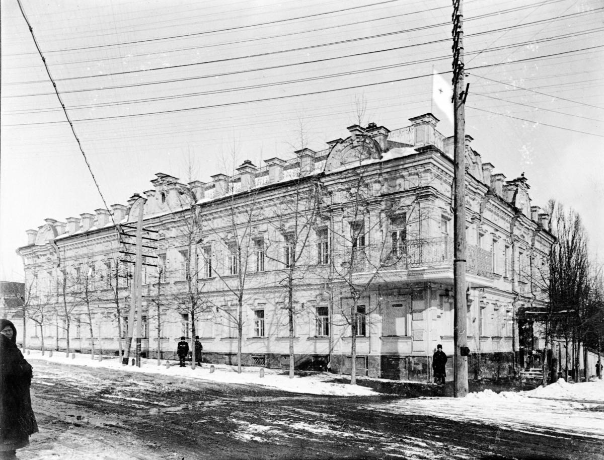 Общий вид здания лазарета купца Н.Н. Гладкова в г. Курске