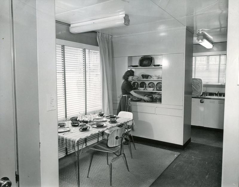 Lustron Interior 2