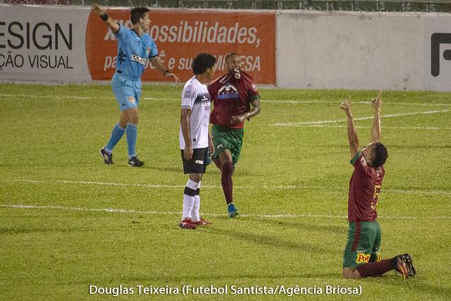 Wesley comemora gol marcado na partida Portuguesa Santista 4 x 3 XV de Piracicaba. Jogo válido pelo Paulistão A2 de 2019, disputado no dia 13 de fevereiro