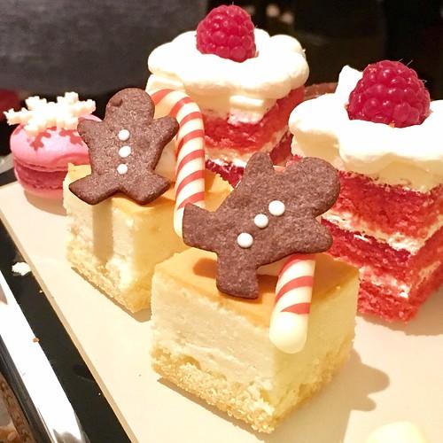 バニラとラズベリーのショートケーキ/ジンジャーマンチーズケーキ