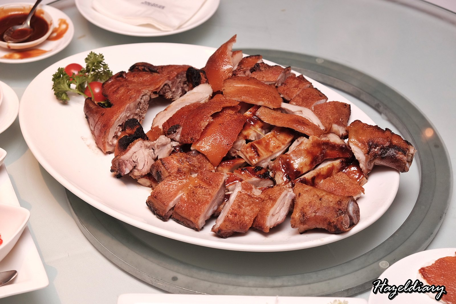 Yan Cantonese Cuisine-Roasted Suckling Pig