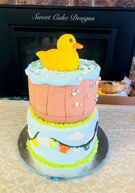 Baby Shower Cake by Sweet Cake Designs