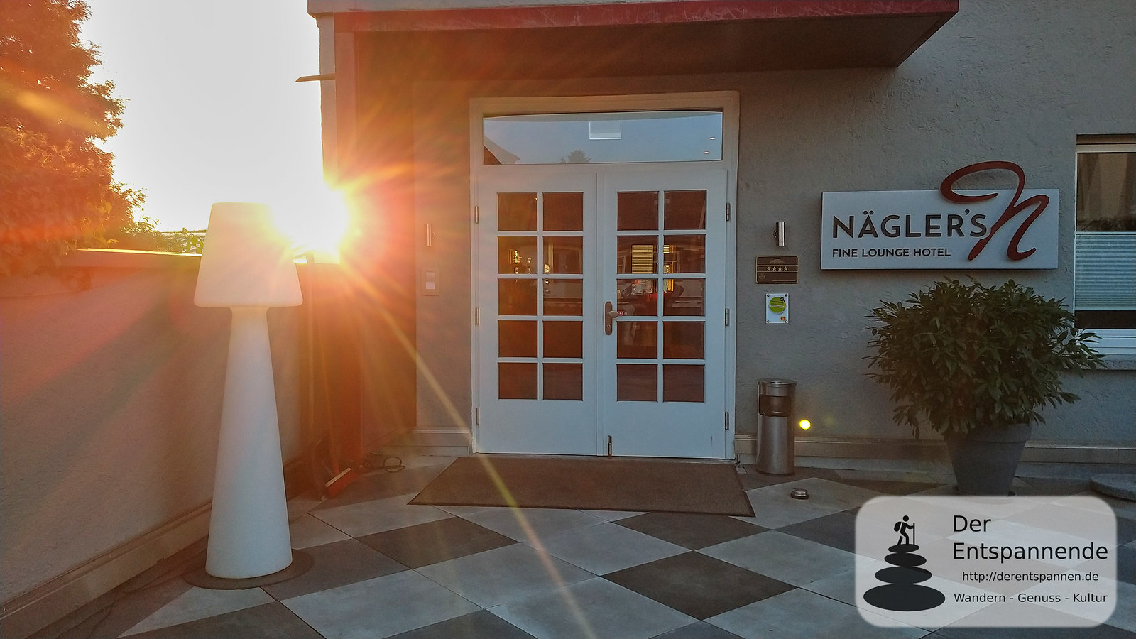 Zurück in Nägler's Fine Lounge Hotel vom SunriseRun