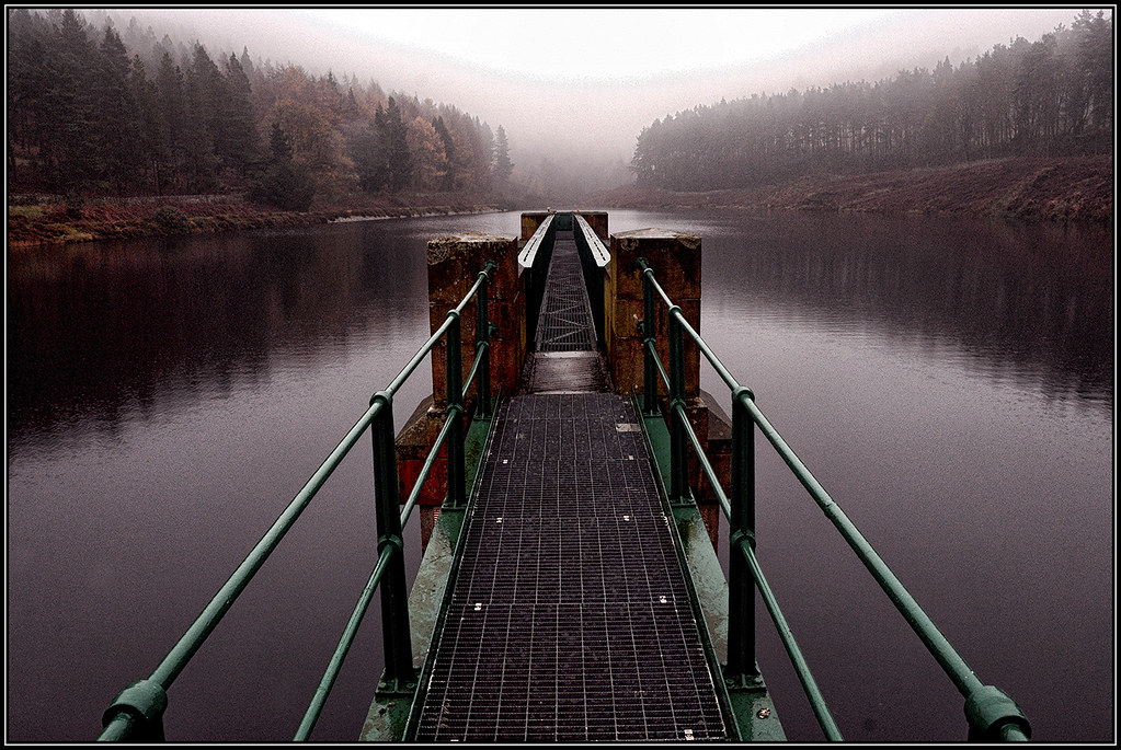 Ridingwood Reservoir on a very wet and misty day.