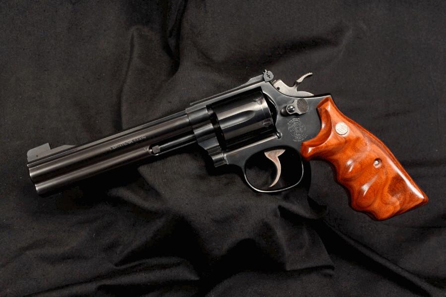 Plus beau revolver. 46236556675_32e72730d1_b