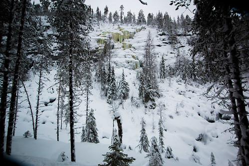 Finland-korouoma-ice-climbing-11