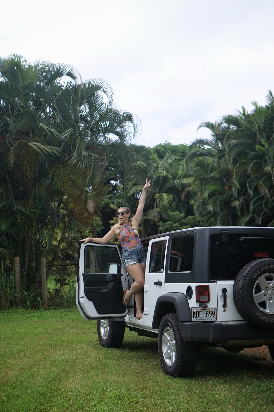 Rent a White Jeep Hawaii Outfit Best Things to do in Kauai Hawaii