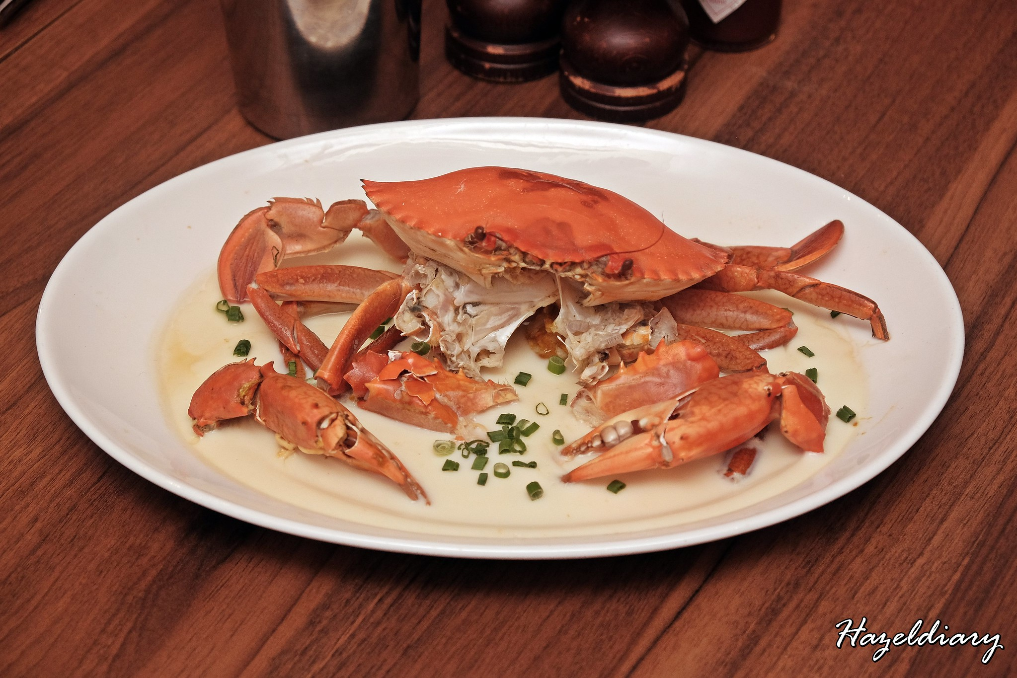 Pince & Pints Duxton Road-Whole Steamed Crab