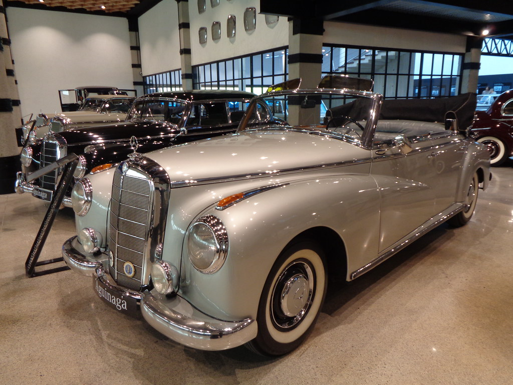 MERCEDES-BENZ W186 TYPE 300 CONVERTIBLE